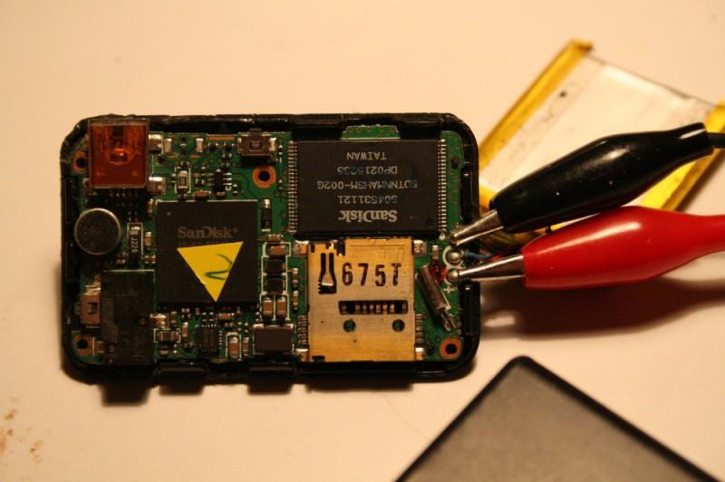 Chargement batterie Sansa Clip avec des pinces croco
