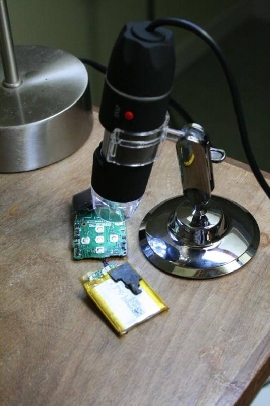 Sansa Clip sous microscope USB