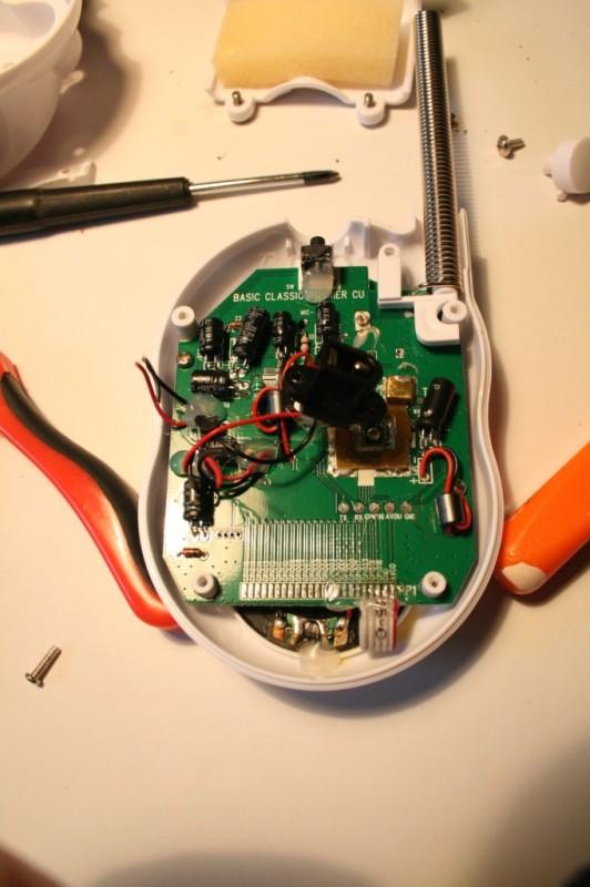 Après avoir coupé les cables
