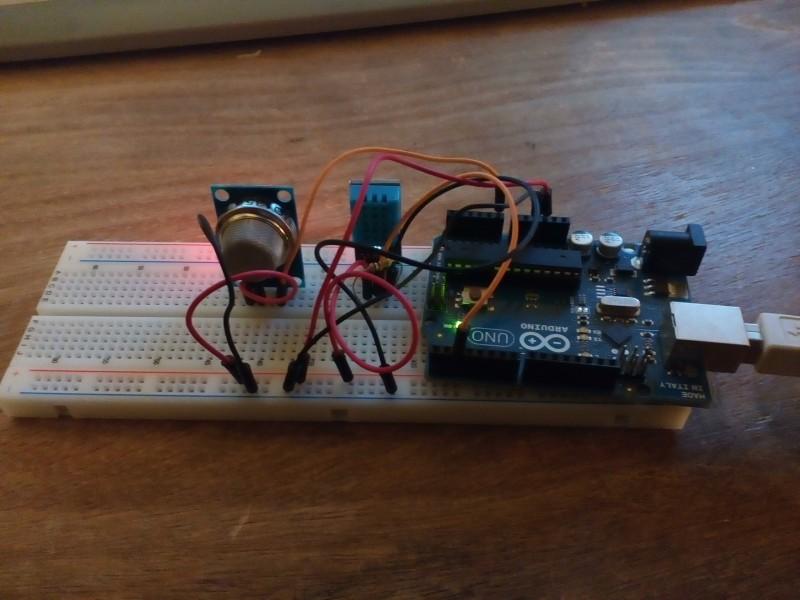 1er montage avec le DHT11 (température et humidité) et le MQ135 (CO2)