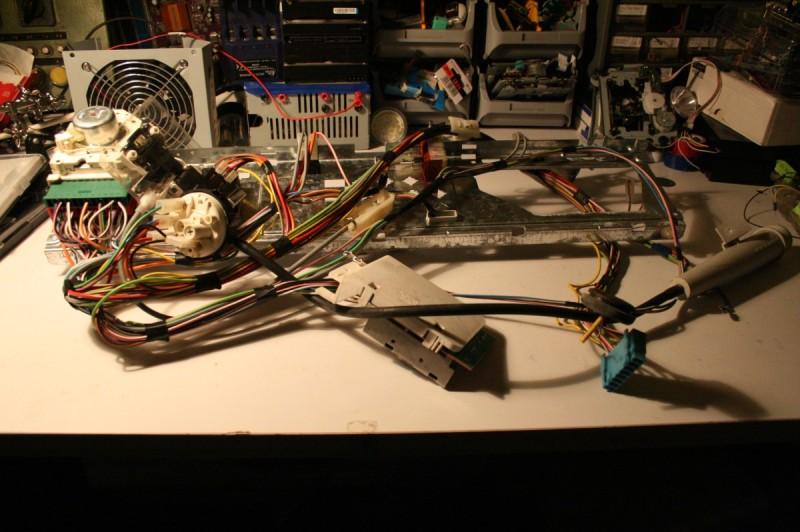 L'ensemble de l'électronique/électrique déposer avant démontage