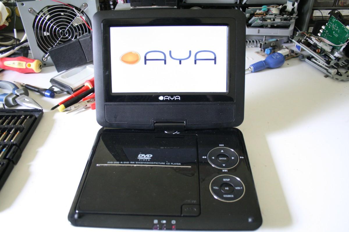 Démontage lecteur DVD portable AYA ADV-301